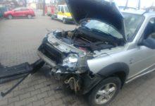 Photo of Wypadek na ul. Sierakowskiego. Pijany kierowca uderzył w land rovera