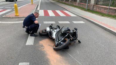 Photo of Śmiertelny wypadek w Łękawie. Motocyklista uderzył w kościelny płot