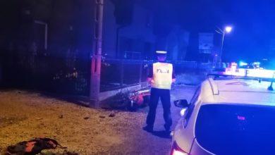 Photo of Motocyklista uciekał przed policją. Stracił panowanie i uderzył w betonowy przepust