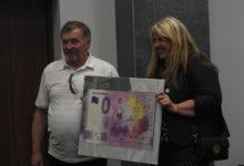 """Photo of W niedzielę rusza sprzedaż banknotów kolekcjonerskich """"0 Euro"""" – RKS Radomsko"""