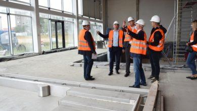 Photo of Sprawdzili jak postępują prace przy budowie nowego basenu
