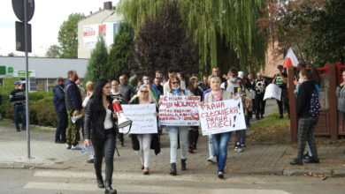 """Photo of """"Stop plandemii"""". Marsz o wolność w Radomsku [ZDJĘCIA]"""